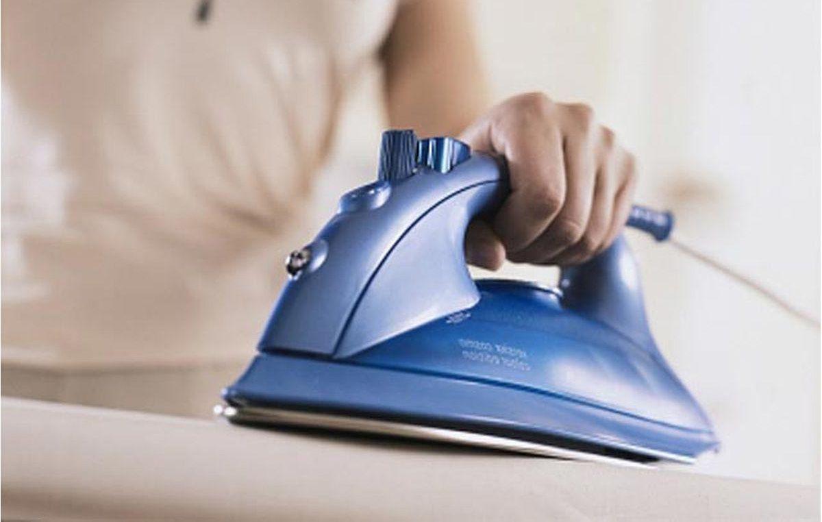 Чем можно очистить утюг в домашних условиях подошву 71
