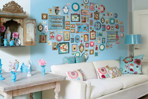 Декор комнаты картинками