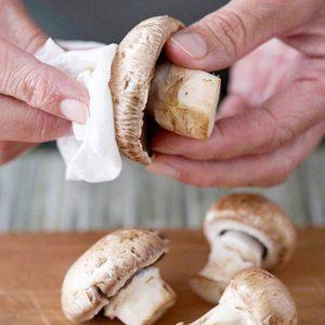 Чистим грибы