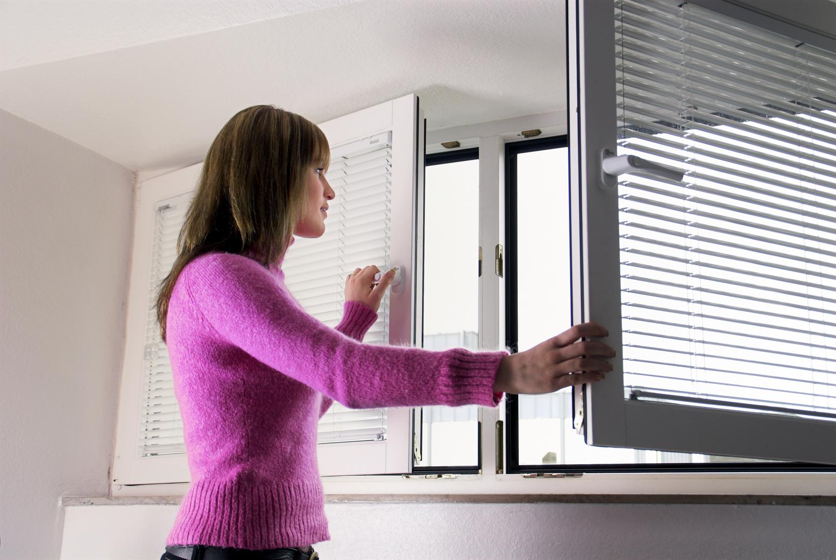Как быстро избавиться от запаха гари в вашей квартире