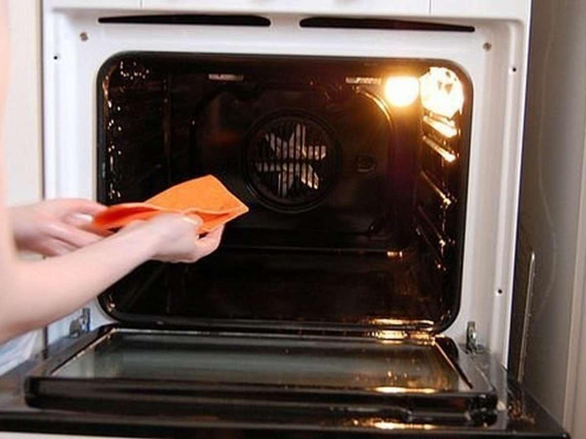 что лучше очистка паром или каталитическая очистка духовки