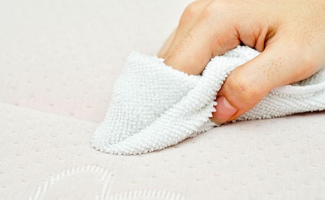 Как отмыть пятно с матраса ортопедического фото