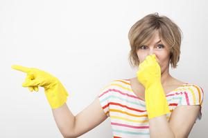 Вывести неприятный запах из квартиры