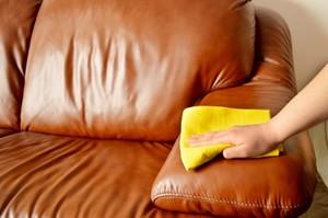 Уход за диванами из натуральной кожи