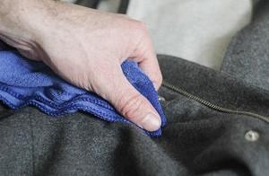 Чем чистить пальто